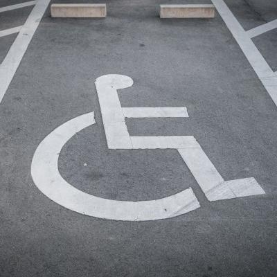 cidade inteligente vaga cadeira de rodas