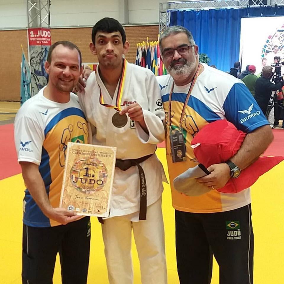 João Vitor Ferreira esporte para pessoas com autismo
