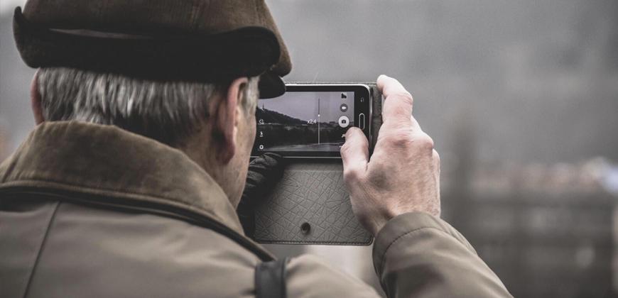 Os 9 aplicativos para todo idoso ter no smartphone