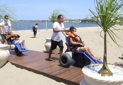 Araruama oferece programa de acessibilidade na Lagoa do Centro