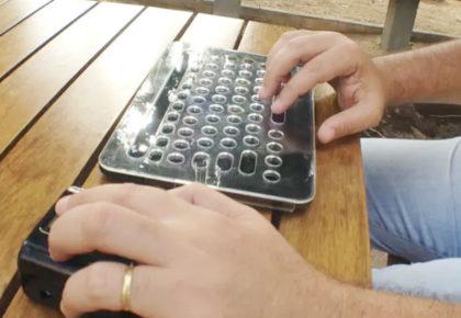 Biblioteca Acessível: dispositivo ajuda estudantes com deficiência visual em aulas remotas