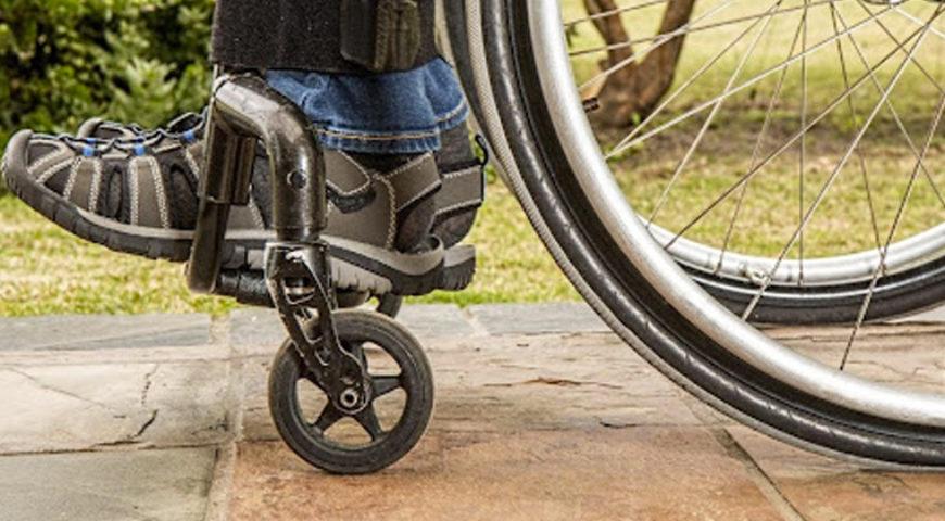 Mobilidade: Cadeira de rodas é garantida por direito pelo SUS
